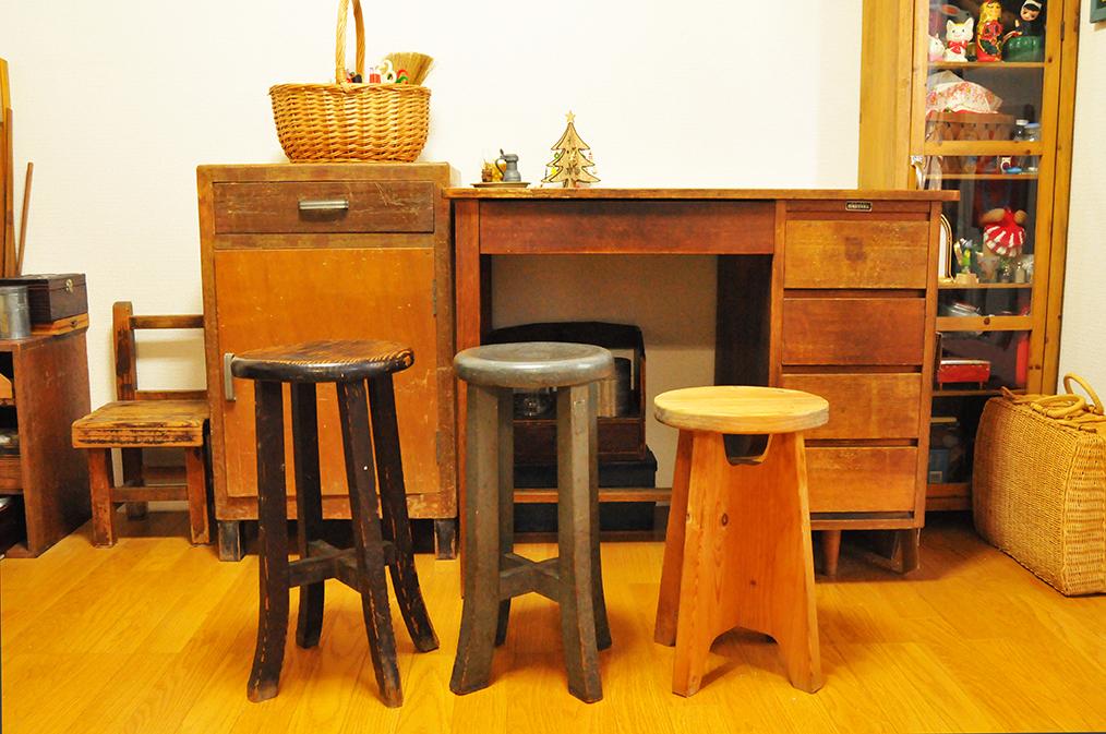 もらいものや安く手にいれた丸椅子たち