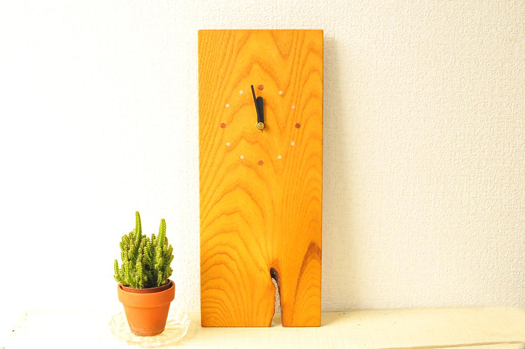 シンプルな木工作家の掛け時計