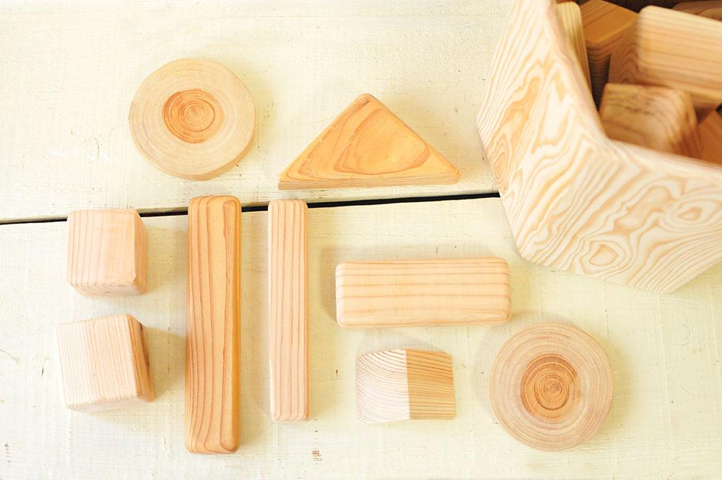 可愛い端材で作ってある積み木セット