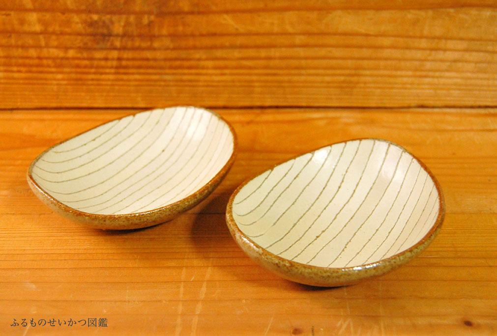 シンプルで使いやすそうな陶器の豆皿