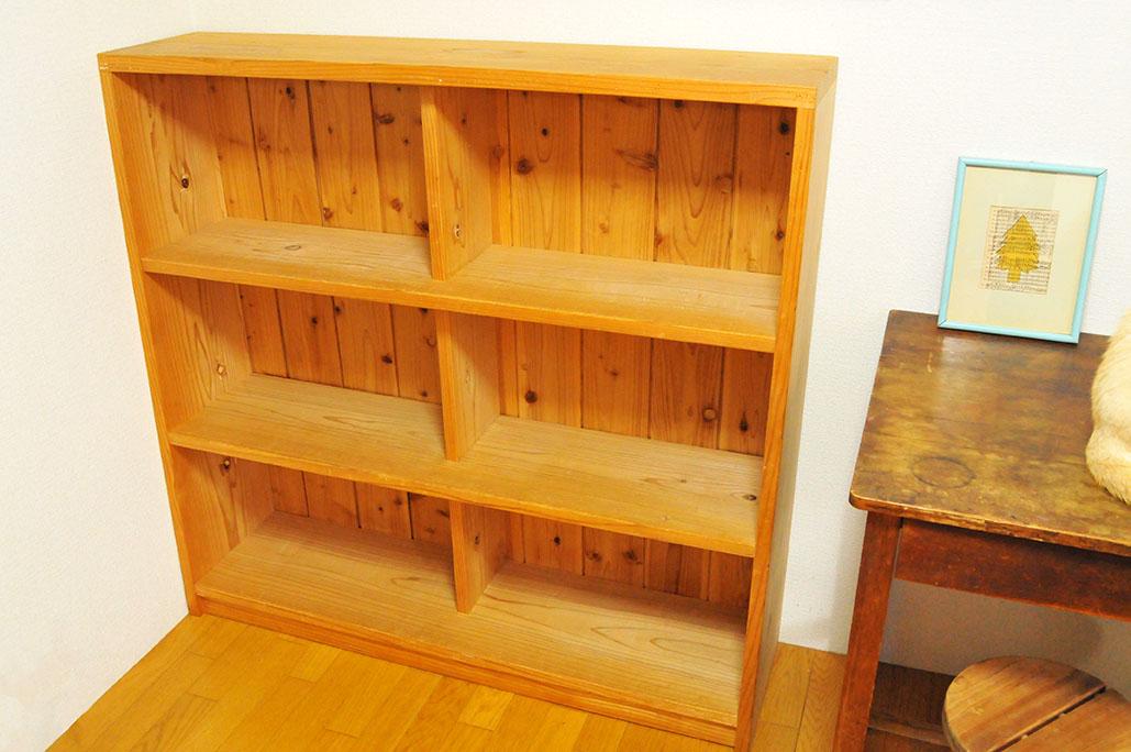 3000円で買った木製3段棚は木の温もりがある