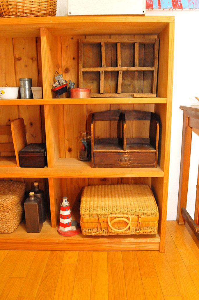整理整頓中の自室の3000円棚