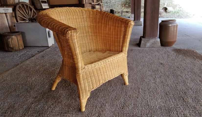 お洒落な籐の椅子はもらいもの