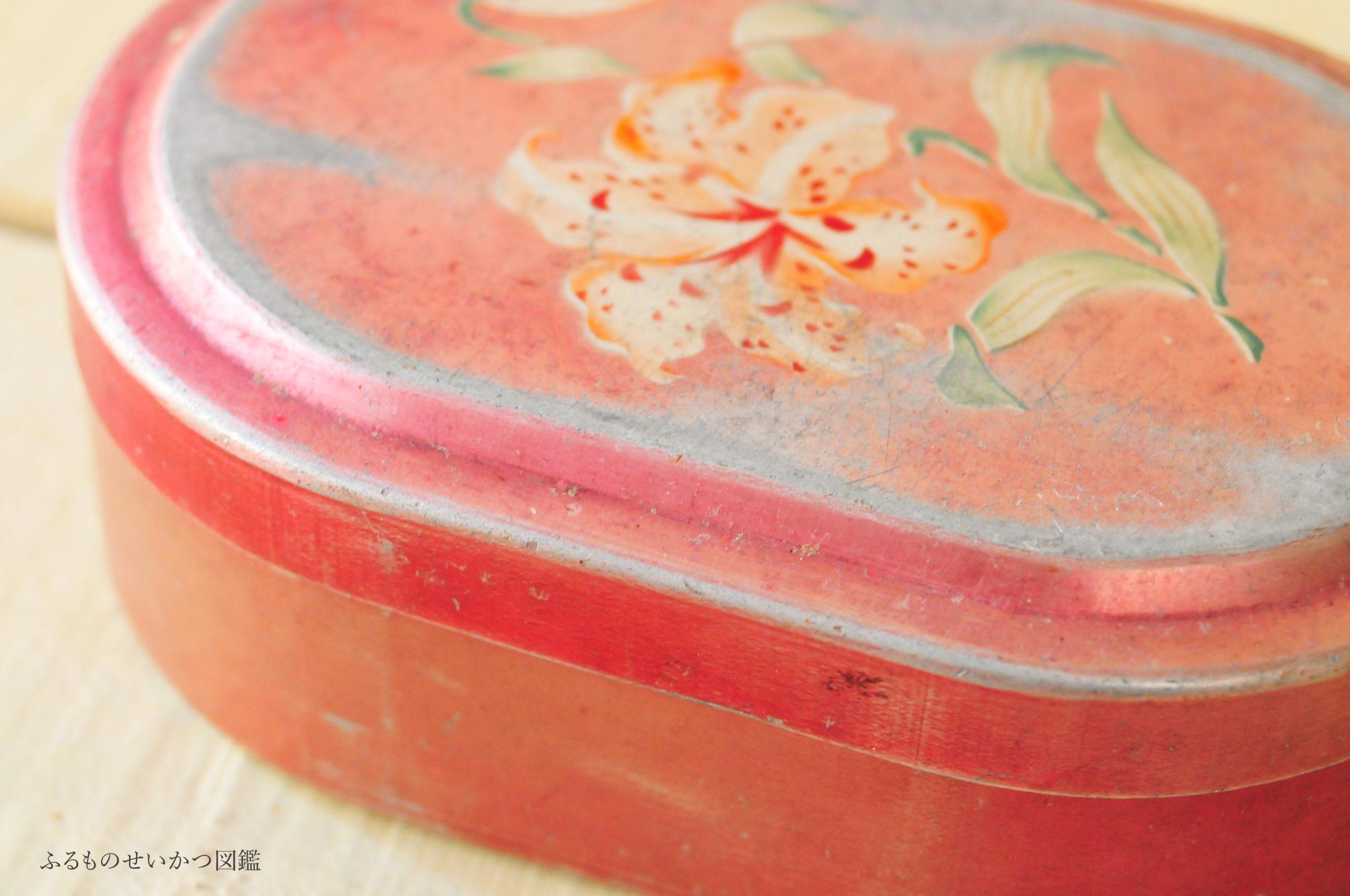 ボロさが可愛い古道具のお弁当箱カン2