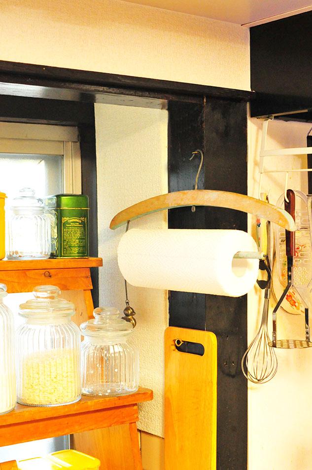 キッチンペーパーホルダーに使えるレトロハンガー