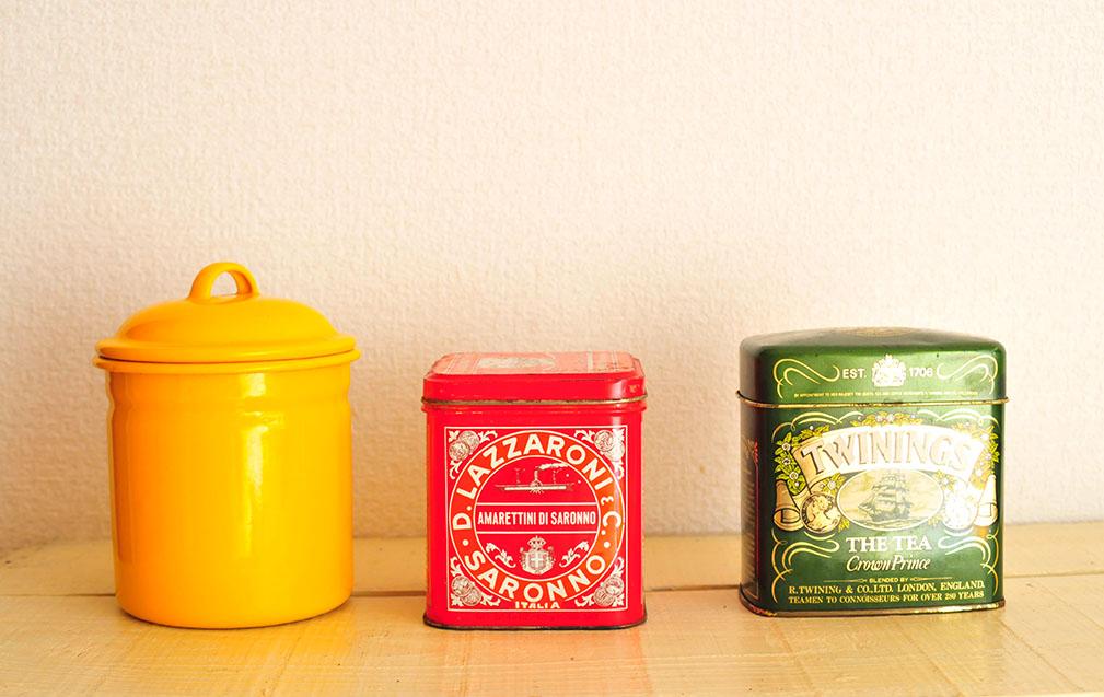 いろいろ使えるレトロ缶