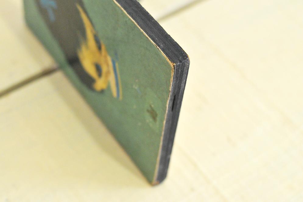 木製レトロイラストの側面