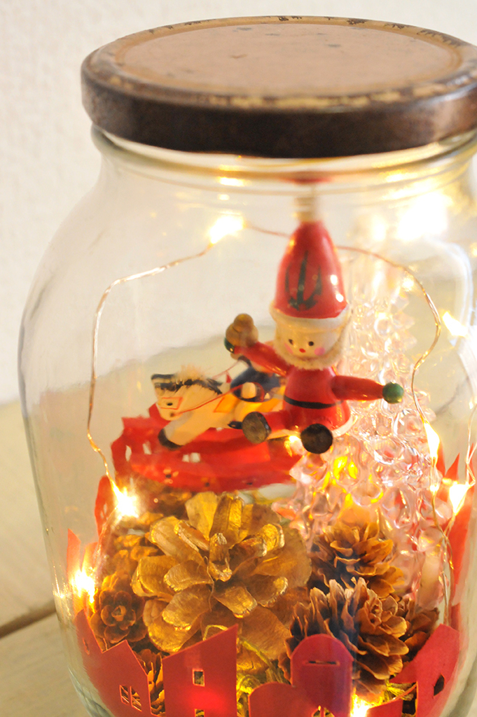 瓶の中が絵本の世界のように素敵な「瓶づめクリスマス」
