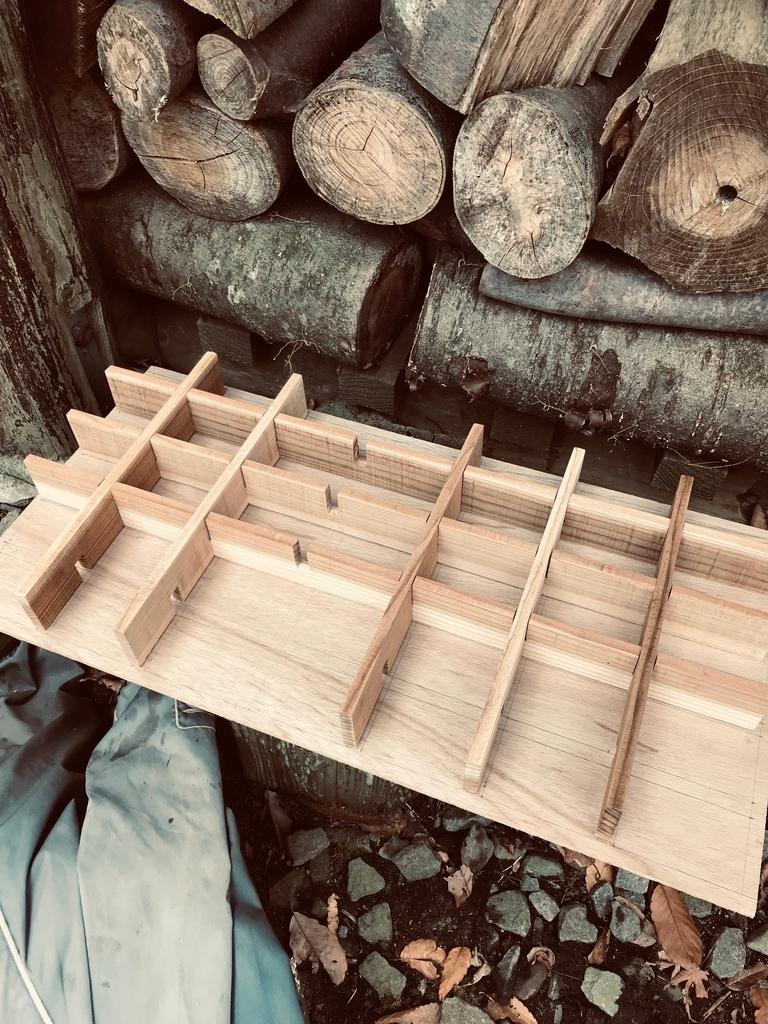 DIYで作る仕切り箱。板を切って組み合わせる-ふるものせいかつ図鑑