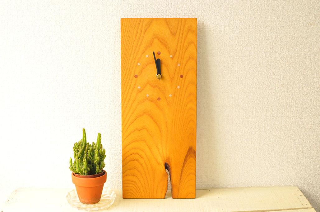 木工家具作家のつくる時計。木の手触りも気持ちいい-ふるものせいかつ図鑑