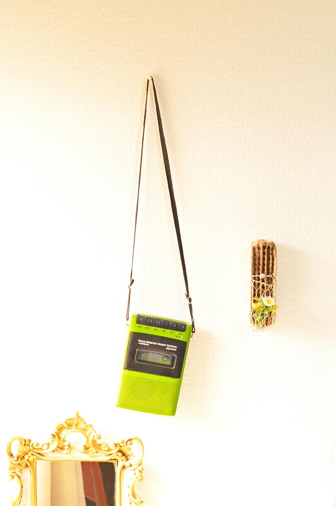 緑色がオシャレなレトロ風ポータブルテープレコーダー