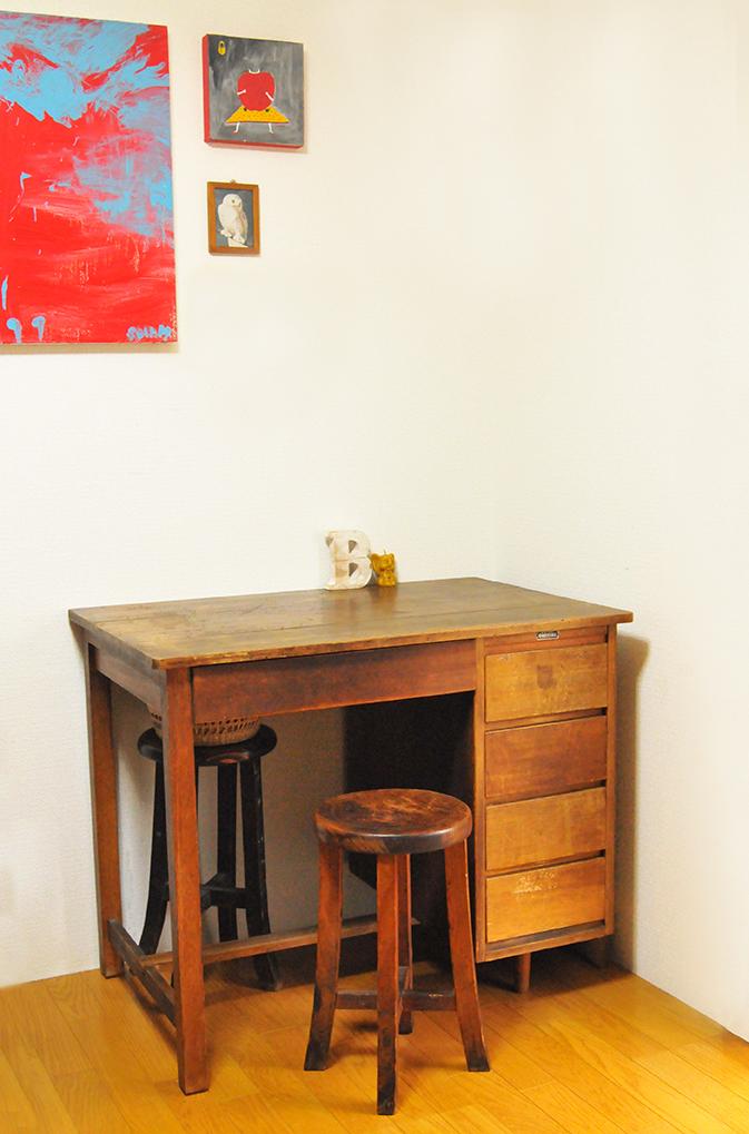 リサイクルショップで購入した古道具机は4500円