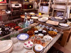 レトロな食器たちも格安-ふるものでオシャレ生活
