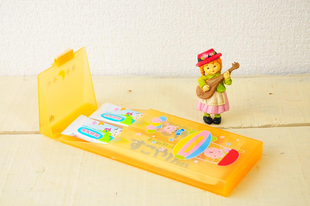 意外と使える粉ミルクスティック用の携帯ケースは50円