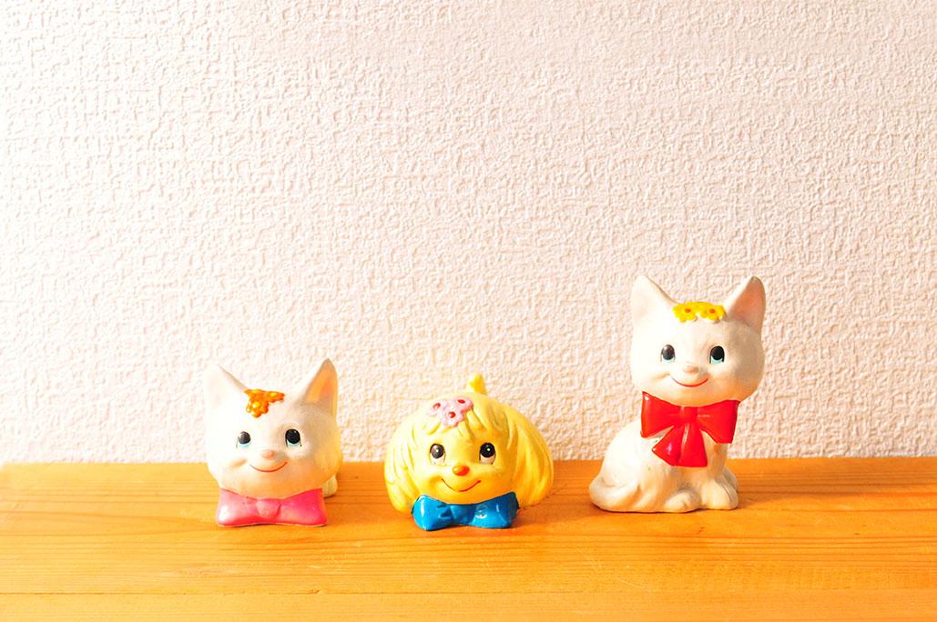 3匹のレトロ可愛い猫と犬さん