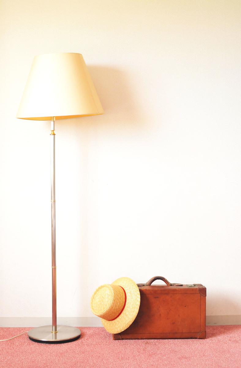 革の古いトランクバッグは旅のお供